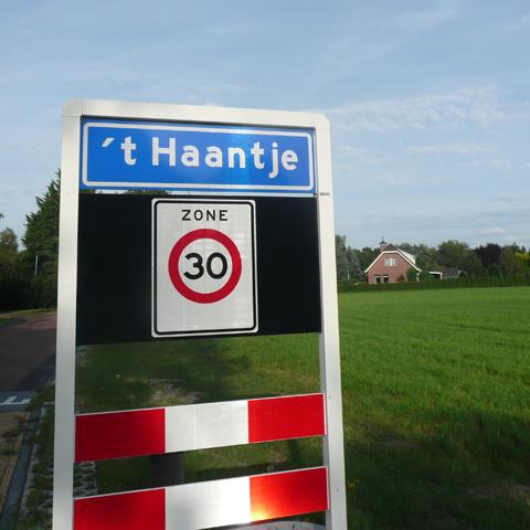 K47-02-Plaatsnaambord-Foto-Roelof-Huisman1 – Knapzakroutes